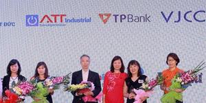 Công ty ATT công nghiệp tài trợ cho sinh viên trường đại học ngoại thương.